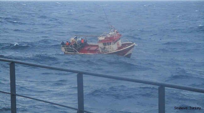 NYK bulk carrier rescues fishermen off the coast of Peru